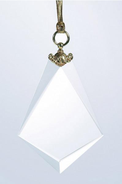 Medal z białego szkła