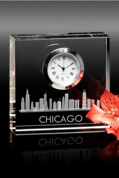 Statuetka szklana z zegarem