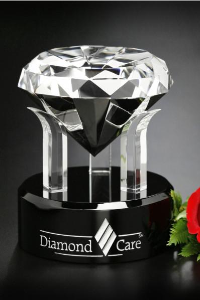 Podparty diament